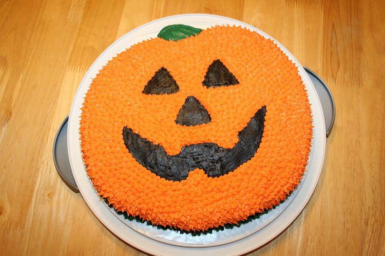 Smiling Pumpkin Cake