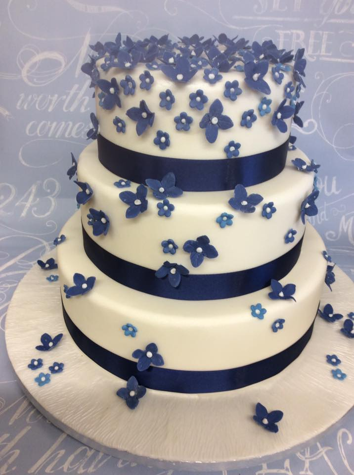 wedding cakes with pink and blue flowers wedding cake with blue flowers 26082