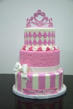 3 tiers Princess cake