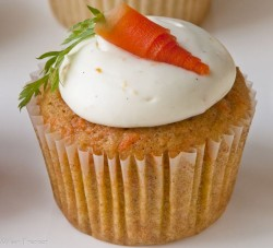 Cupcake with Carrots