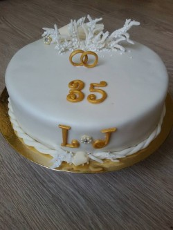 35th Wedding Anniversary Cake