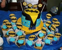 Batman Cake with Cupcakes