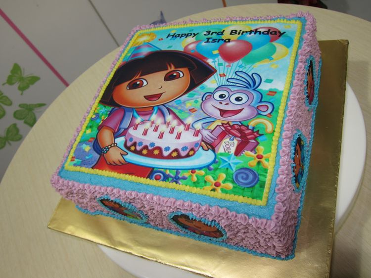 Birthday Cake with Dora Picture