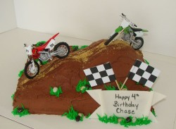 Dirt Cakes with Bikes