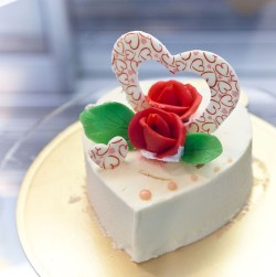 Cute Valentines Day Cake