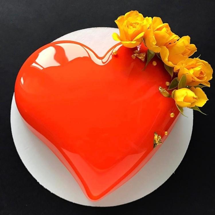 Glaze Valentine Day Cake