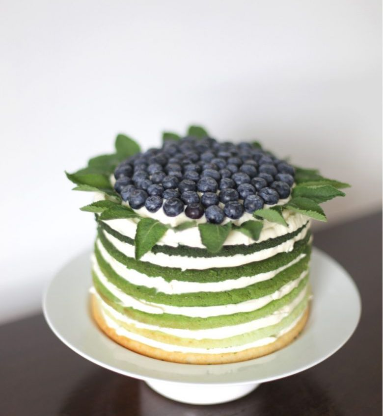 Nude Blueberries Cake