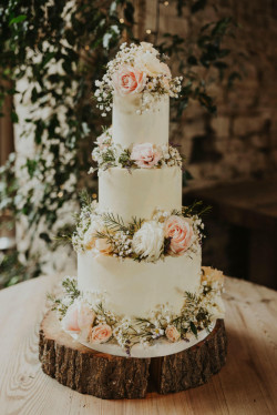 Wedding Cake for Rustic Wedding